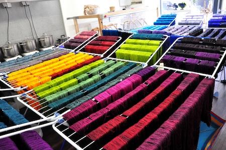 Die ganze Farbpracht beim Trocknen in der Werkstatt